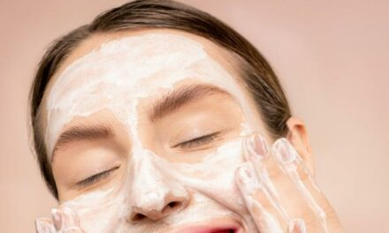 How to Keep Your Skin Young-Looking and Healthy