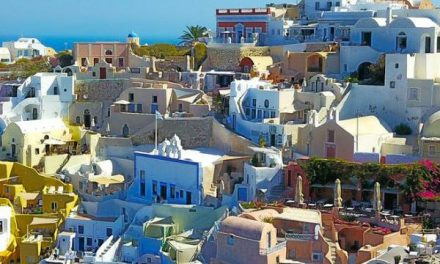 Experience a Complete Holiday in Greece – Read This
